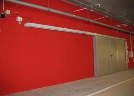 Откатные огнестойкие красные ворота для склада