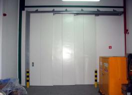 Огнеустойчивые гаражные ворота откатные