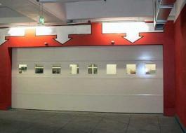 Противопожарные секционные подъёмные ворота