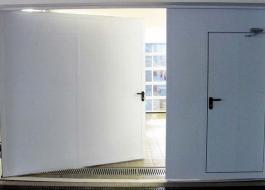 Огнестойкие распашные ворота EI90 для гаража с калиткой